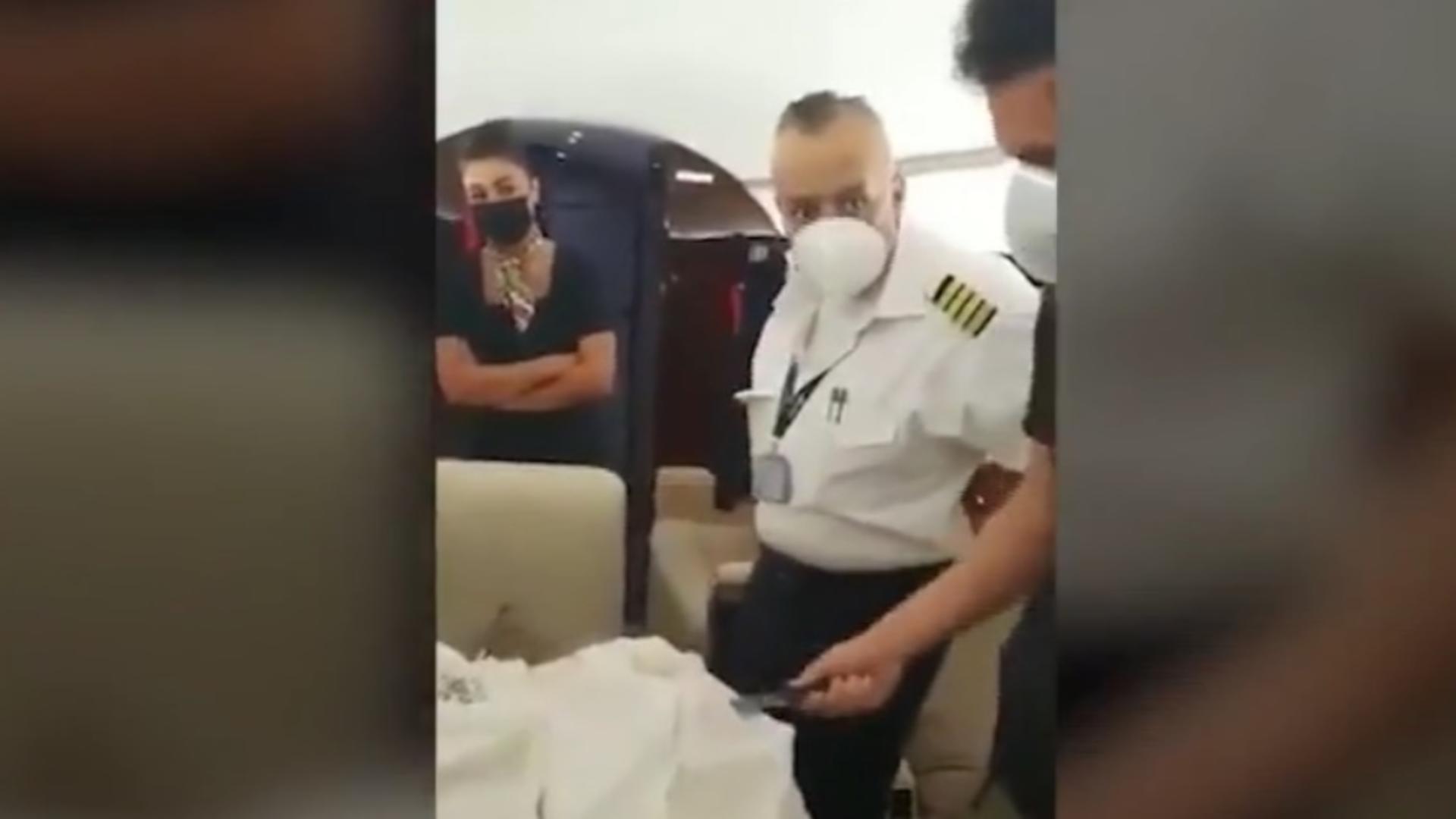 Peste 1,3 tone de cocaină descoperite într-un avion