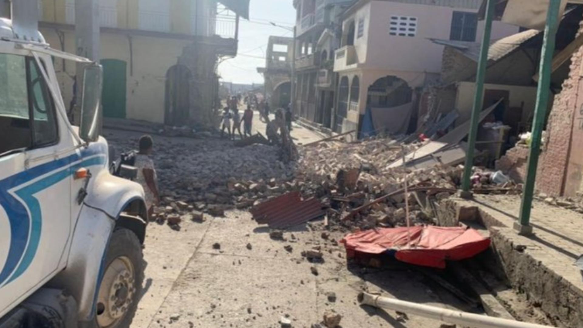 Cutremur PUTERNIC - 7,2 magnitudine! Mai mulți oameni au murit Foto: Twitter.com