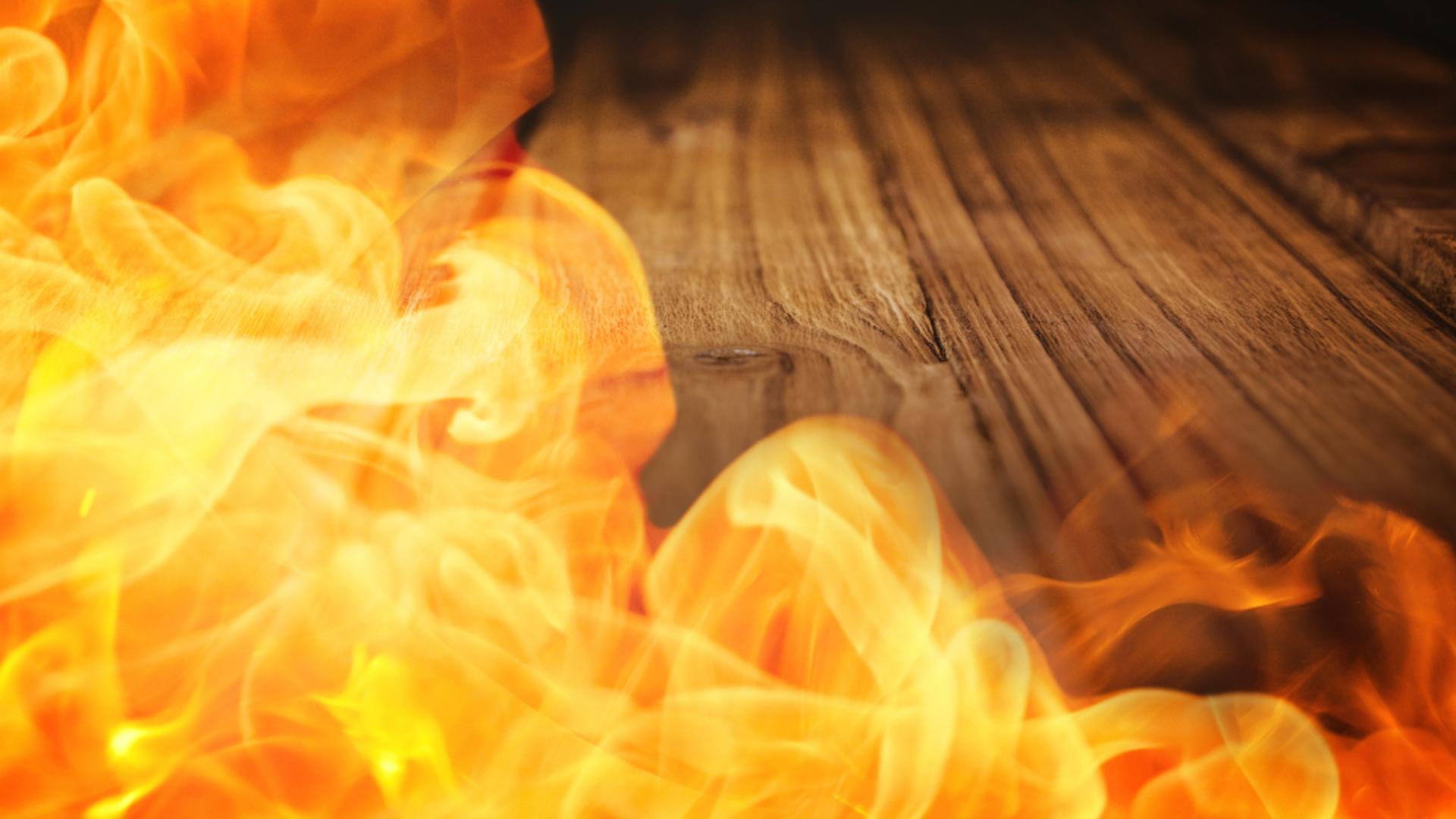 Un roman si-a dat foc