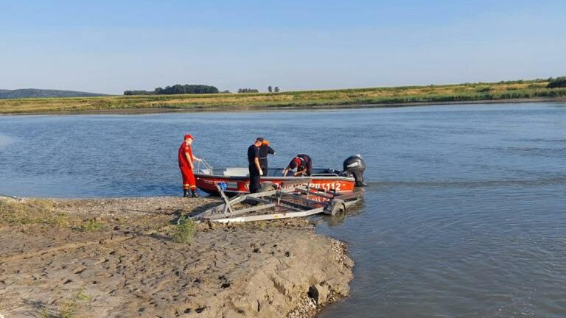 Victimele au fost scoase din apa inconțtiente (foto: ISU Neamț)