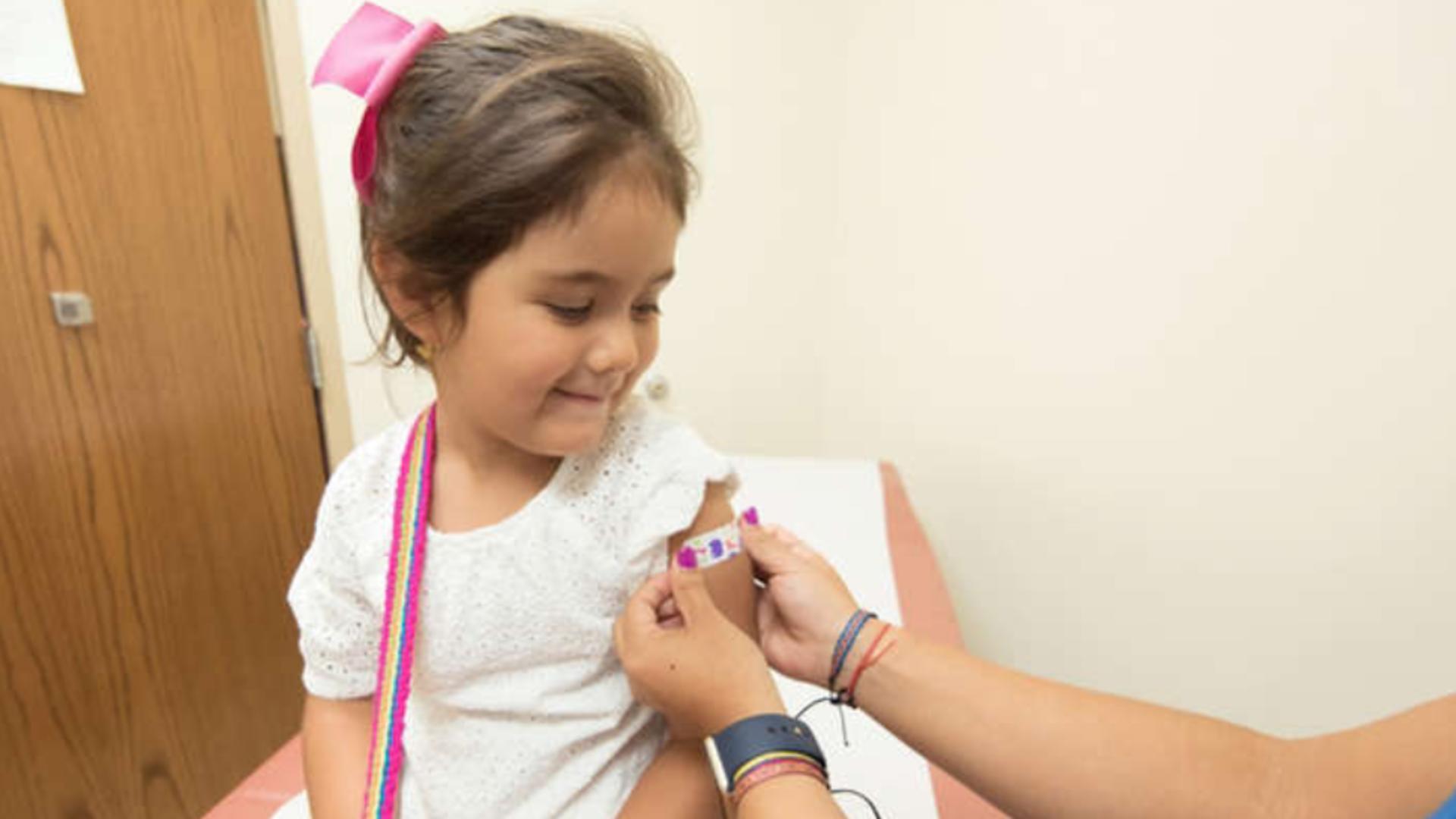 O altă țară decide vaccinarea împotriva COVID-19 a copiilor de peste 3 ani