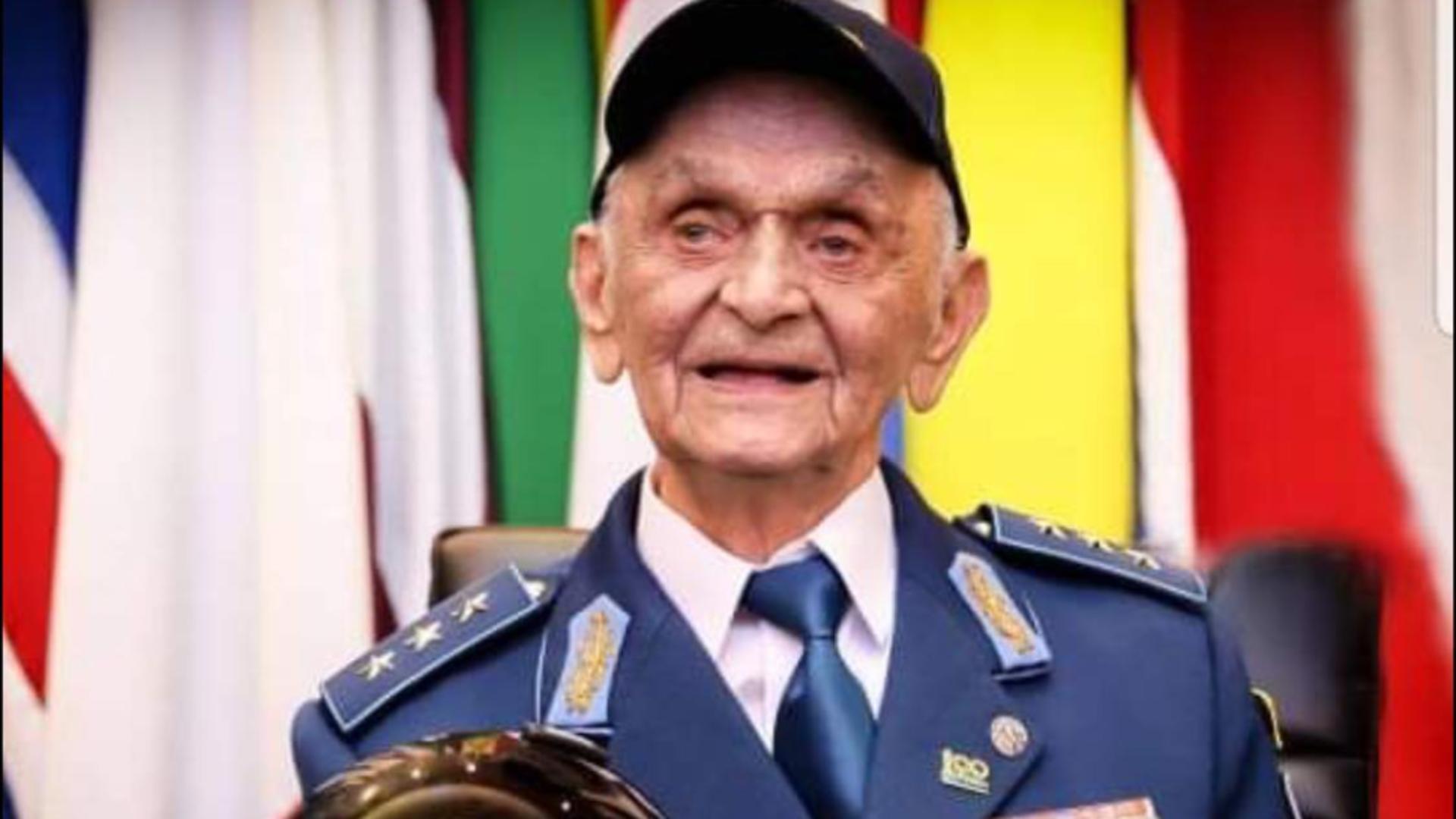 Ion Dobran (102 ani), ultimul pilot de vânătoare român supravietuițor al celui de-al Doilea Război Mondial /Facebook MApN