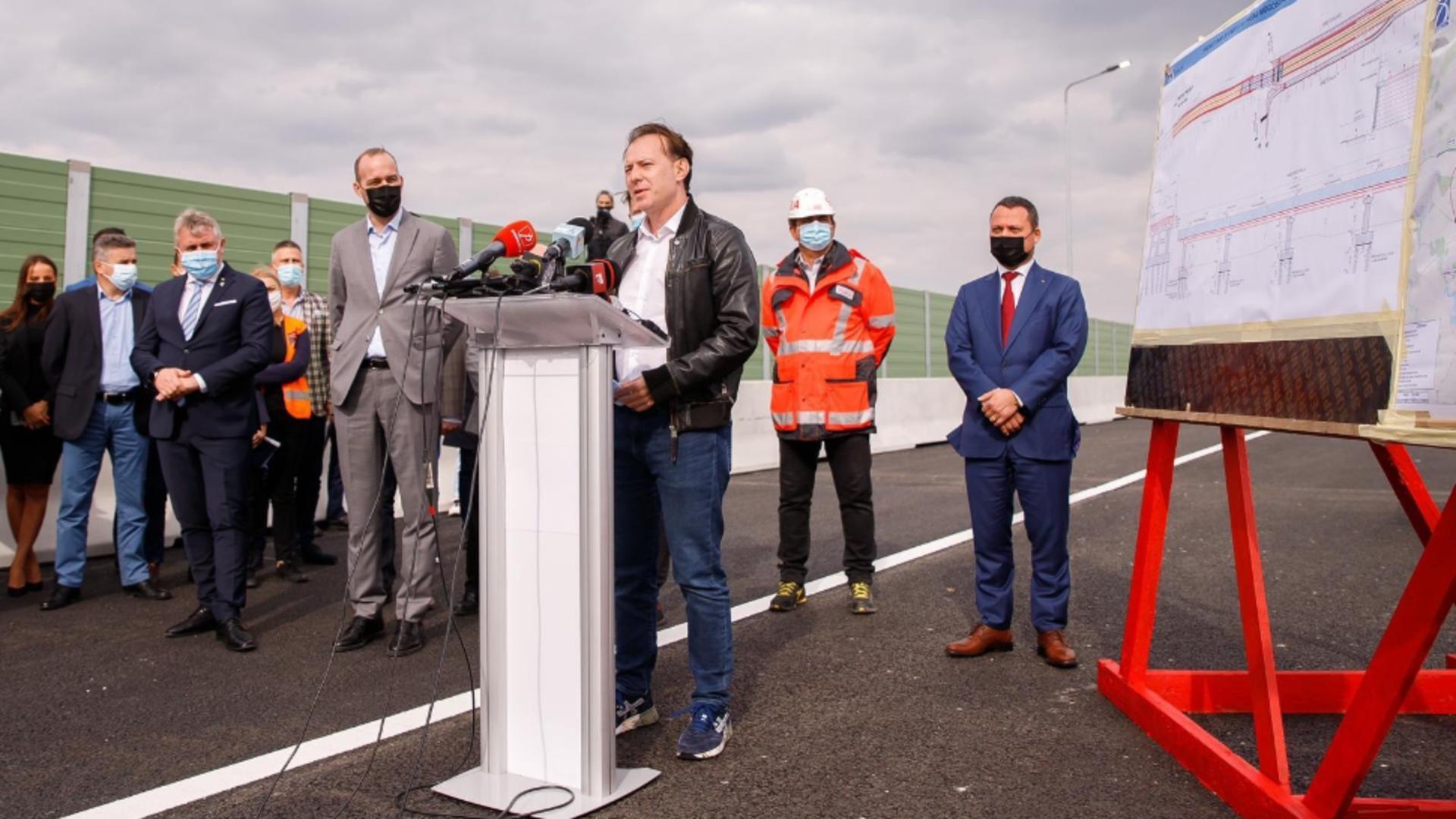 Florin Cîțu, prim-ministrul României, la inaugurarea pasajului Mogoșoaia / Facebook