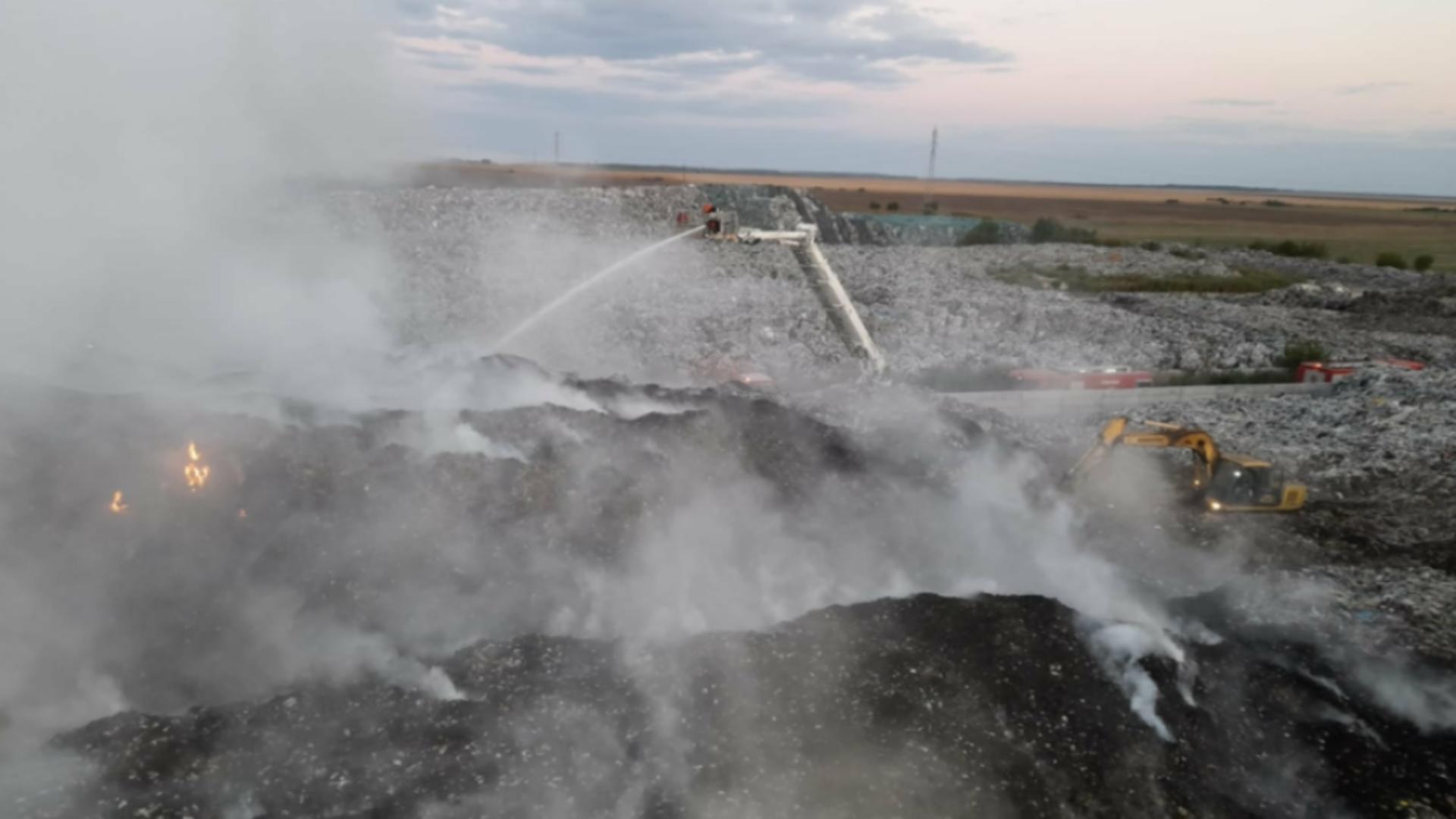 Incendiu depozit deșeuri jud. Călărași