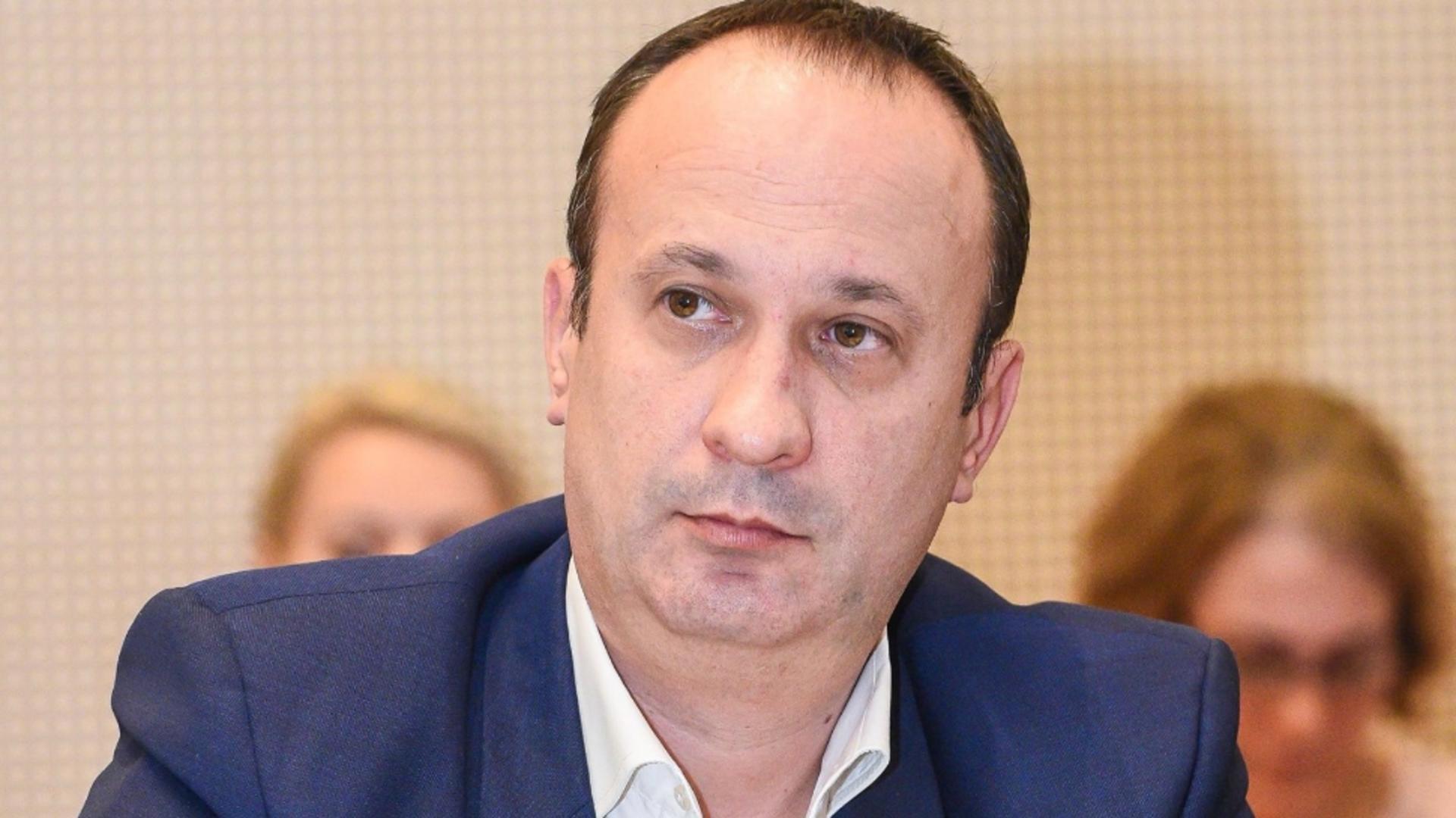 Adrian Cîciu, economist