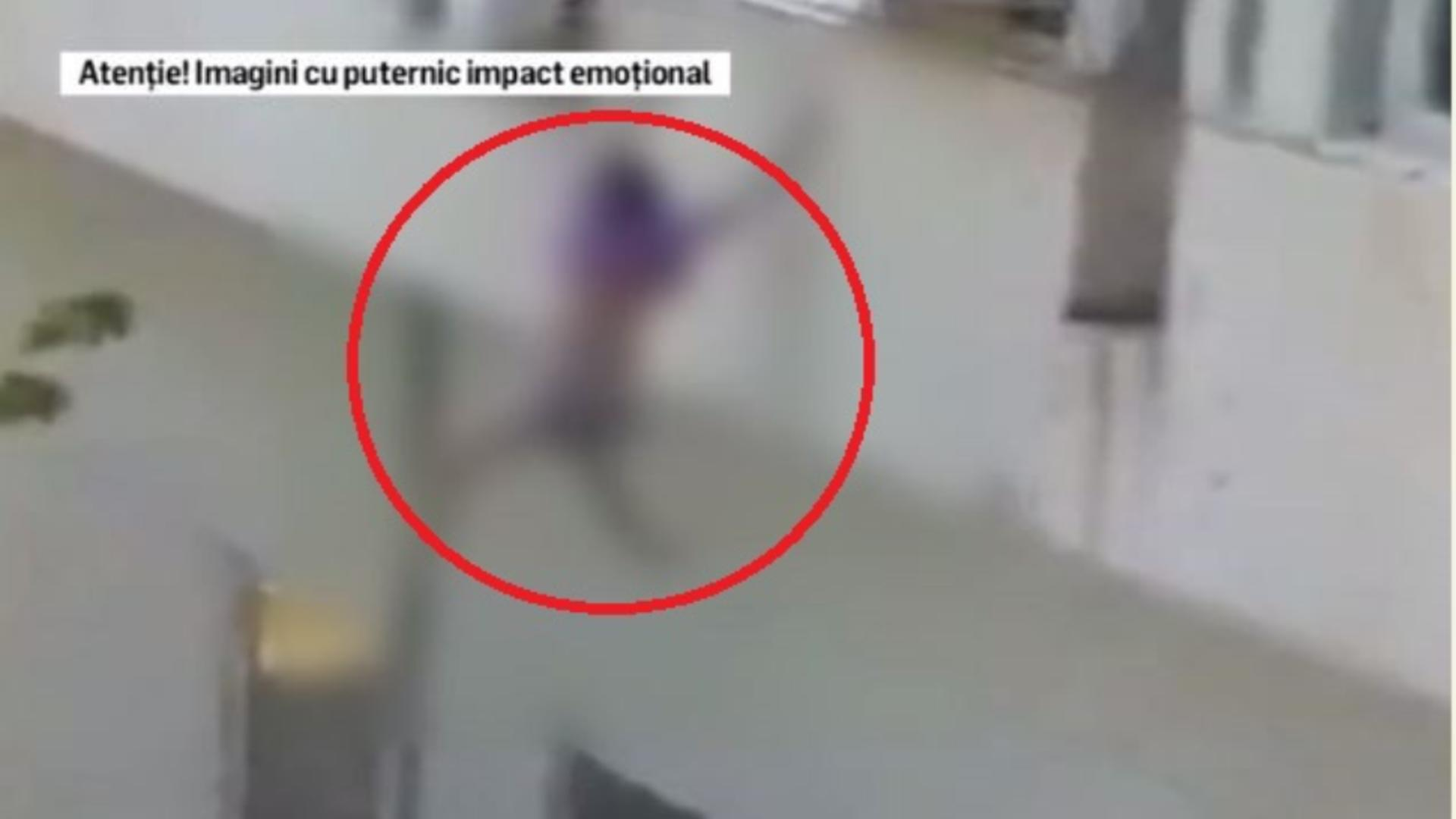 Momentul în care tânăra se aruncă de la etaj. Captură video