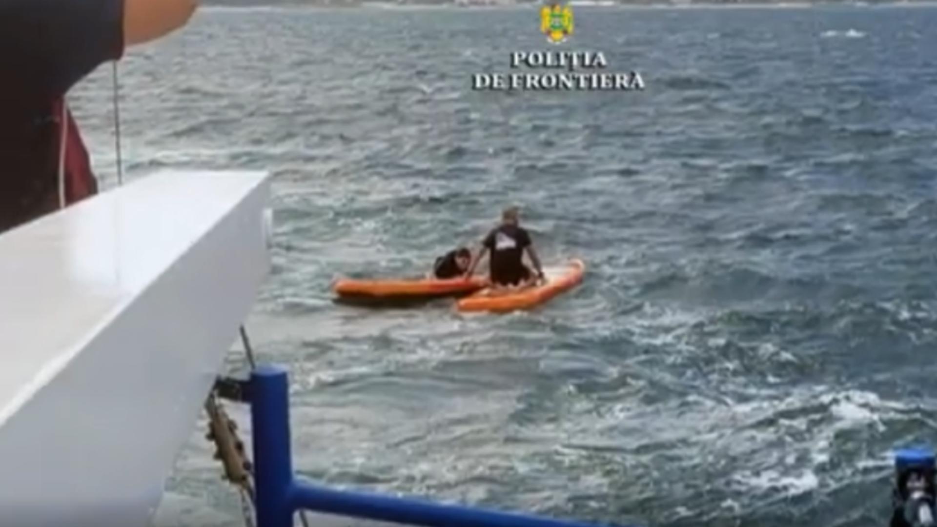 Turiști salvați de pe mare