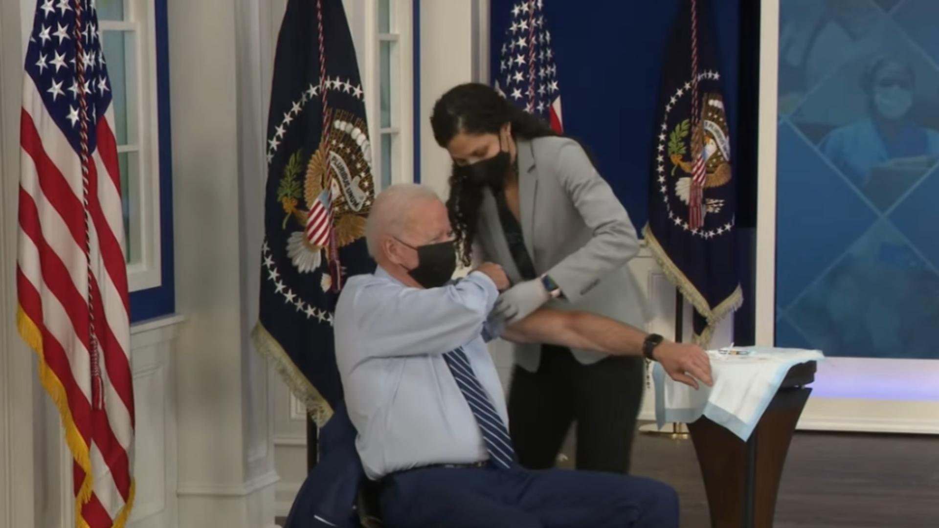Joe Biden a primit a TREIA doză de vaccin anti-Covid. Care a fost prima reacție a liderului american