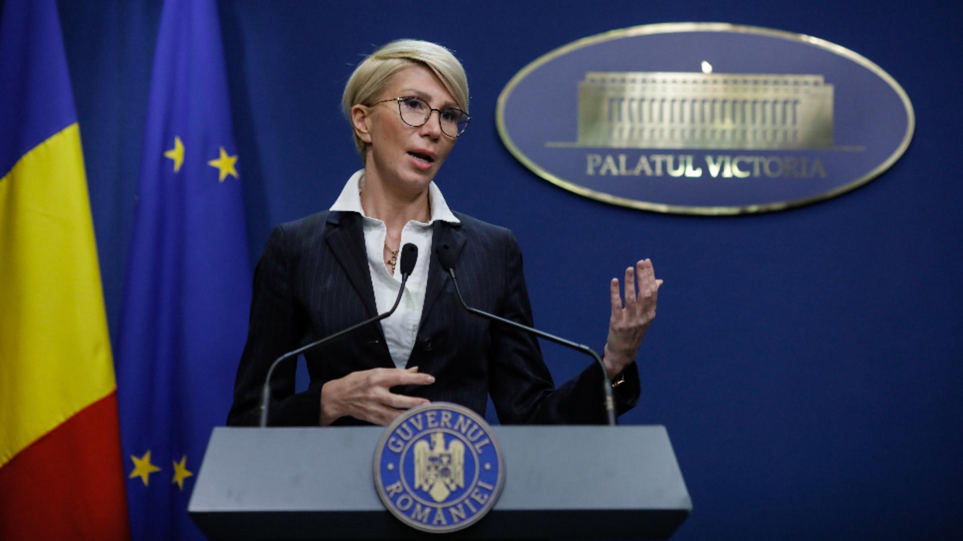 Raluca Turcan, ministrul Muncii Foto: INQUAM/George Călin
