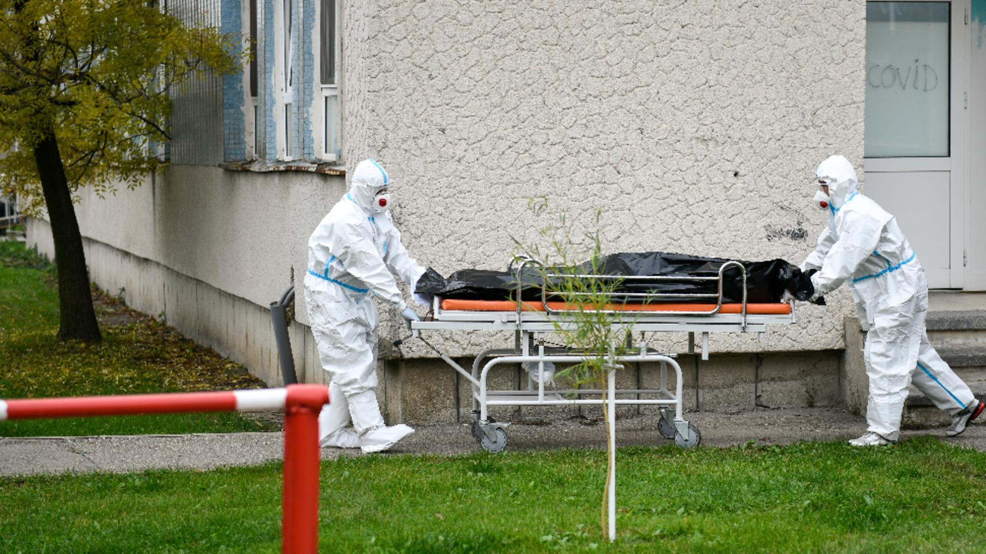Epidemiolog român, avertisment tulburător pentru valul 4: Va fi ca un TSUNAMI / Foto: Inquam Photos