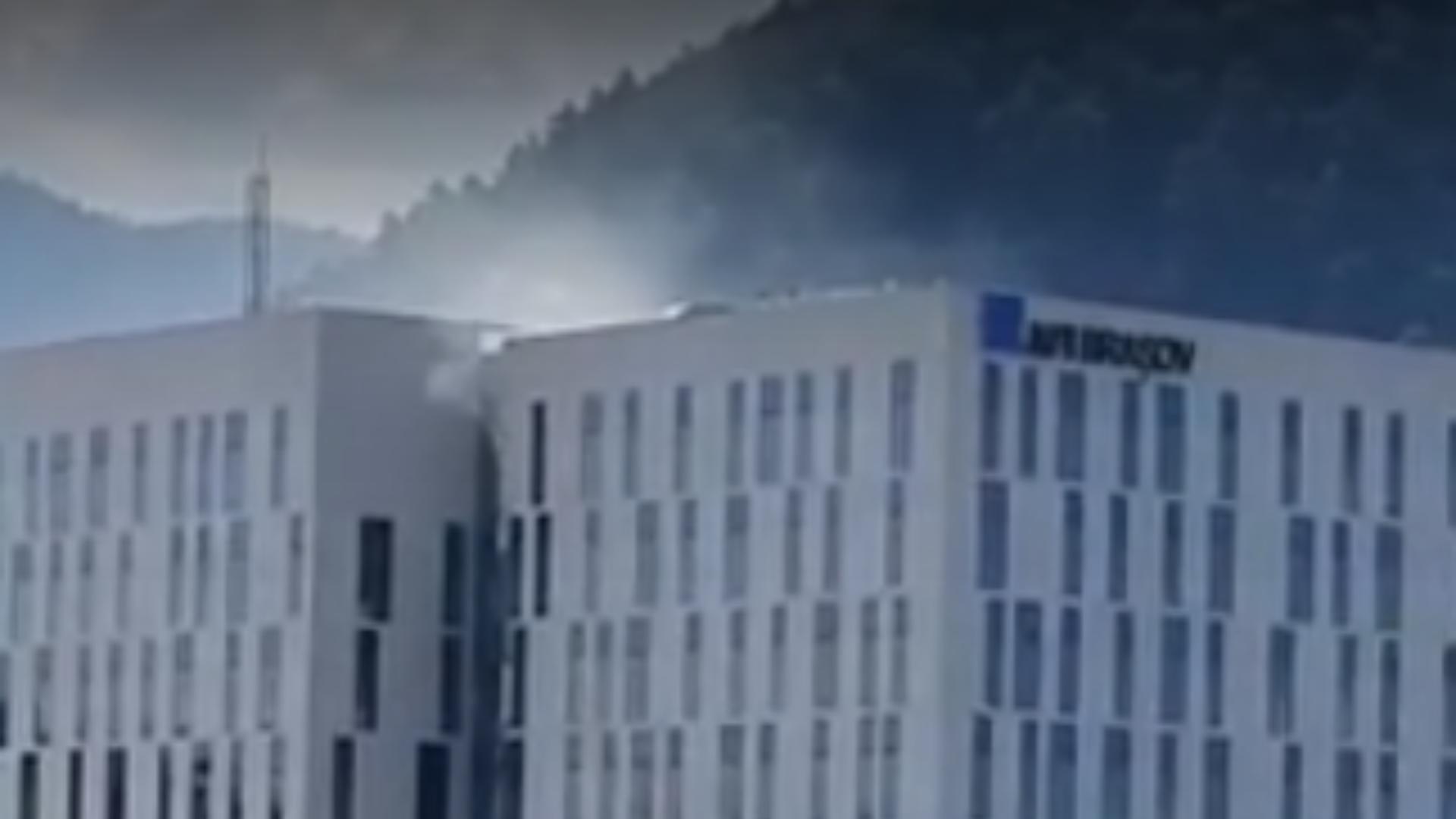 Incendiu clădire de birouri din Brașov / Captură video