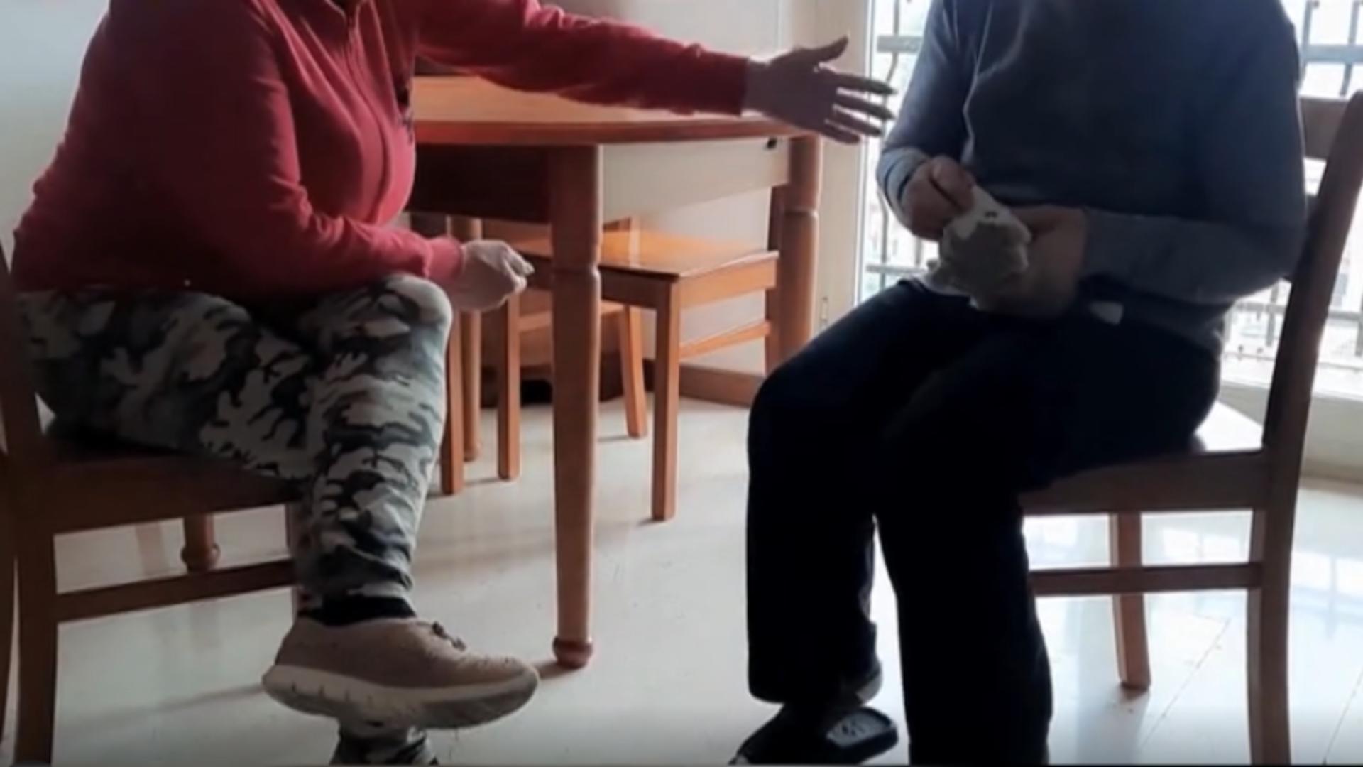 Îngrijitoare de bătrâni în Italia / Captură foto