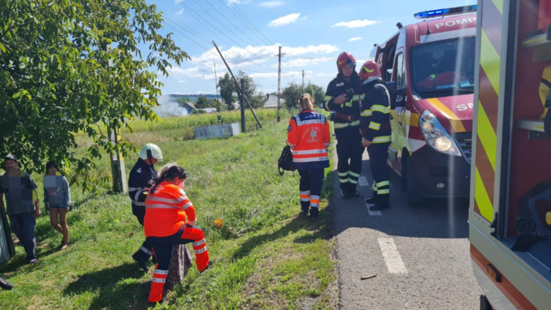 Accident GRAV în Neamț! 2 femei RĂNITE după ce au intrat într-un cap de pod cu mașina