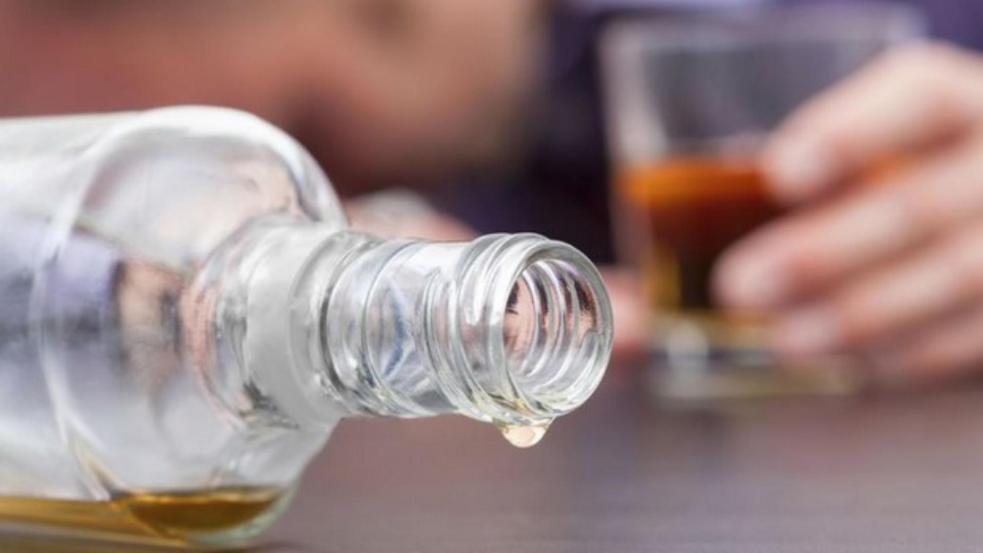 Cât alcool a putut să bea un tânăr din Buzău înainte de a-și ucide tatăl, în fața unui copil de 12 ani