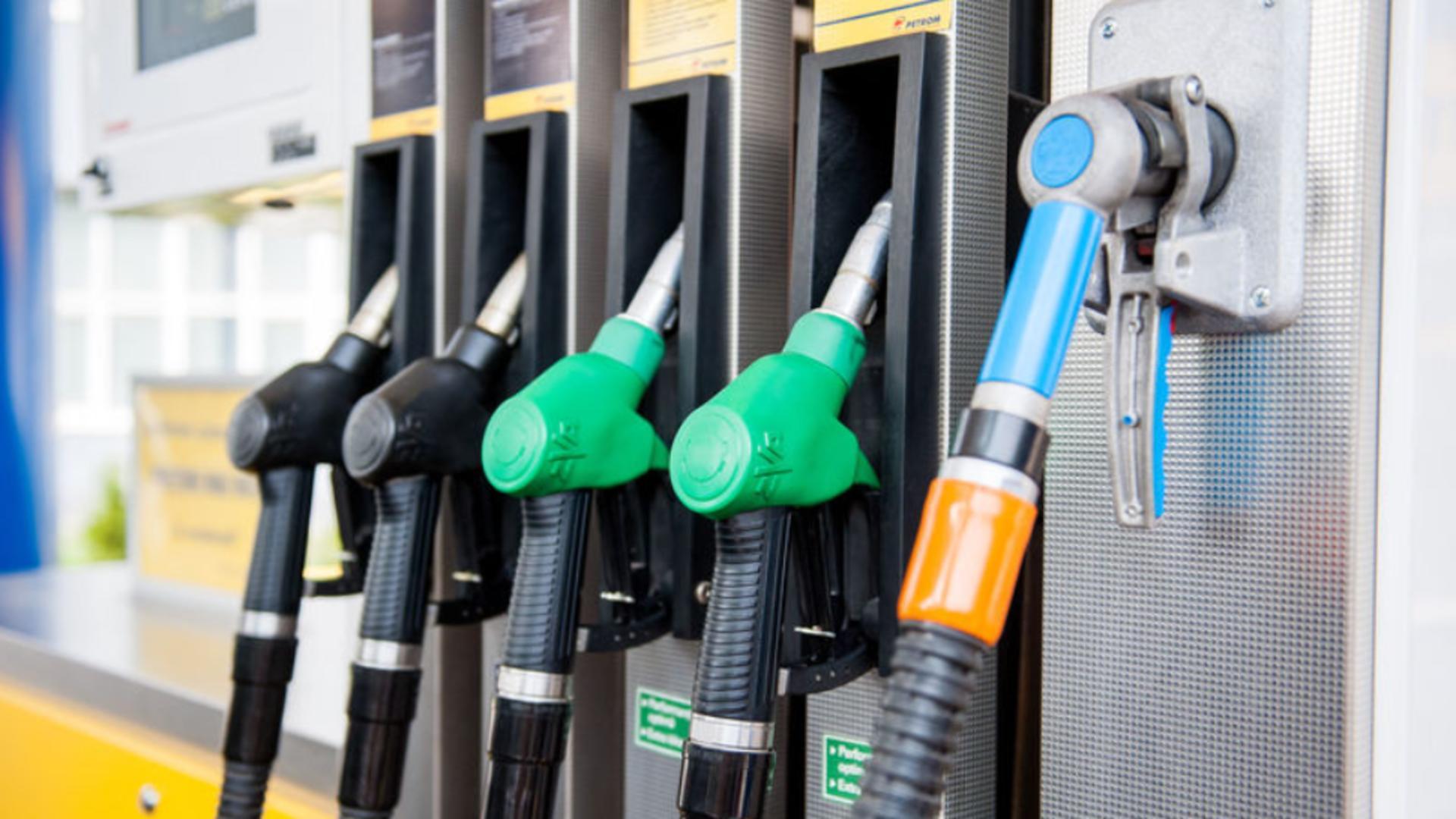 Prețul benzinei, la un pas de pragul critic de 7 lei - Avertismentul specialiștilor