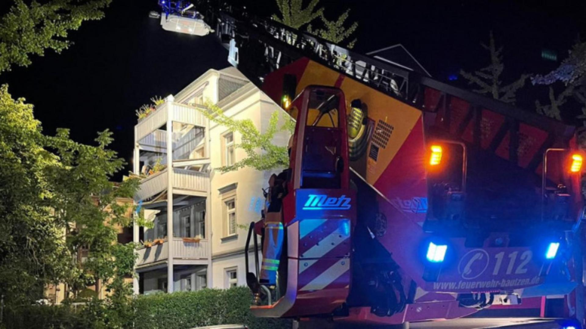 Nouă victime după ce un balcon s-a prăbușit cu tot cu persoanele aflate în el