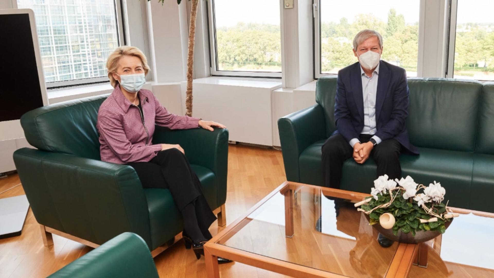 Ursula von der Leyen și Dacian Cioloș Foto: Facebook.com