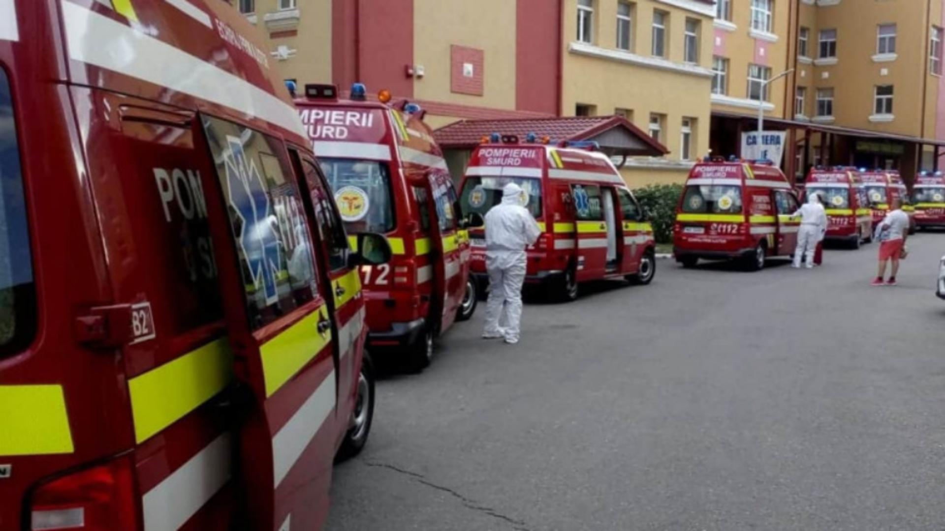 Coada de ambulanțe la Institutul M. Balș (arhivă)