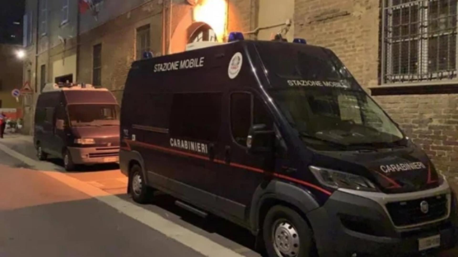Român găsit mort, după ce s-a spânzurat de balustrada balconului