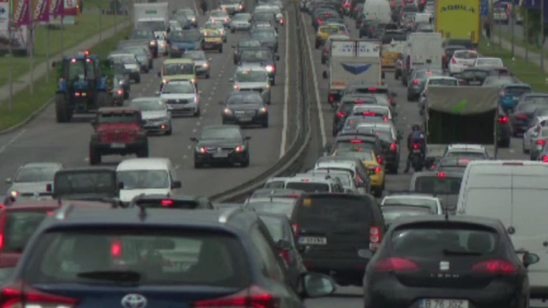 România, CODAȘĂ în UE la numărul de mașini raportat la 1.000 de locuitori