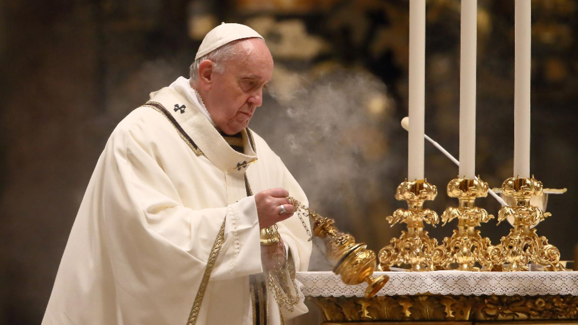 """Avertisment DUR al Papei Francisc legat de utilizarea """"fără scrupule"""" a rețelelor de socializare. Cui se adresează mesajul"""