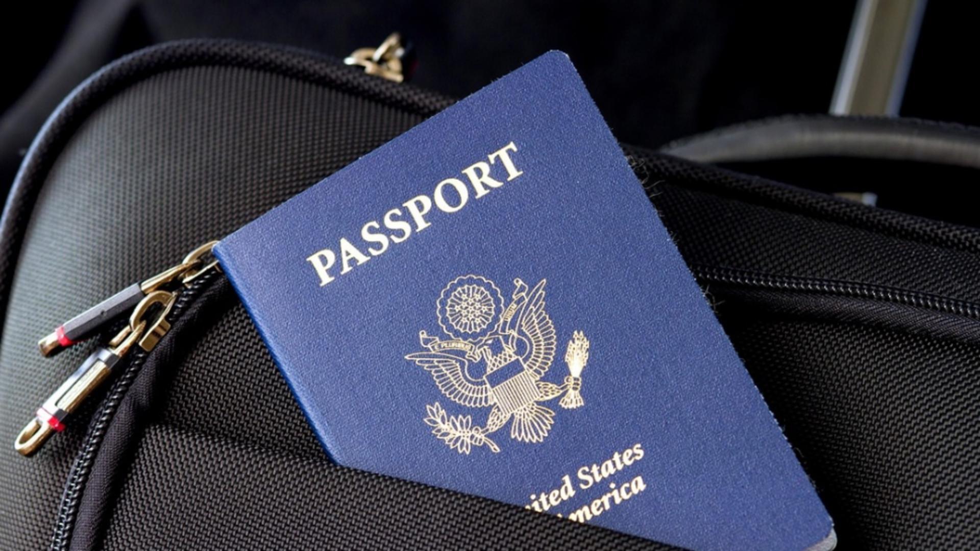 Ce au descoperit polițiștii de frontieră în bagajul unui american care mergea la Untold