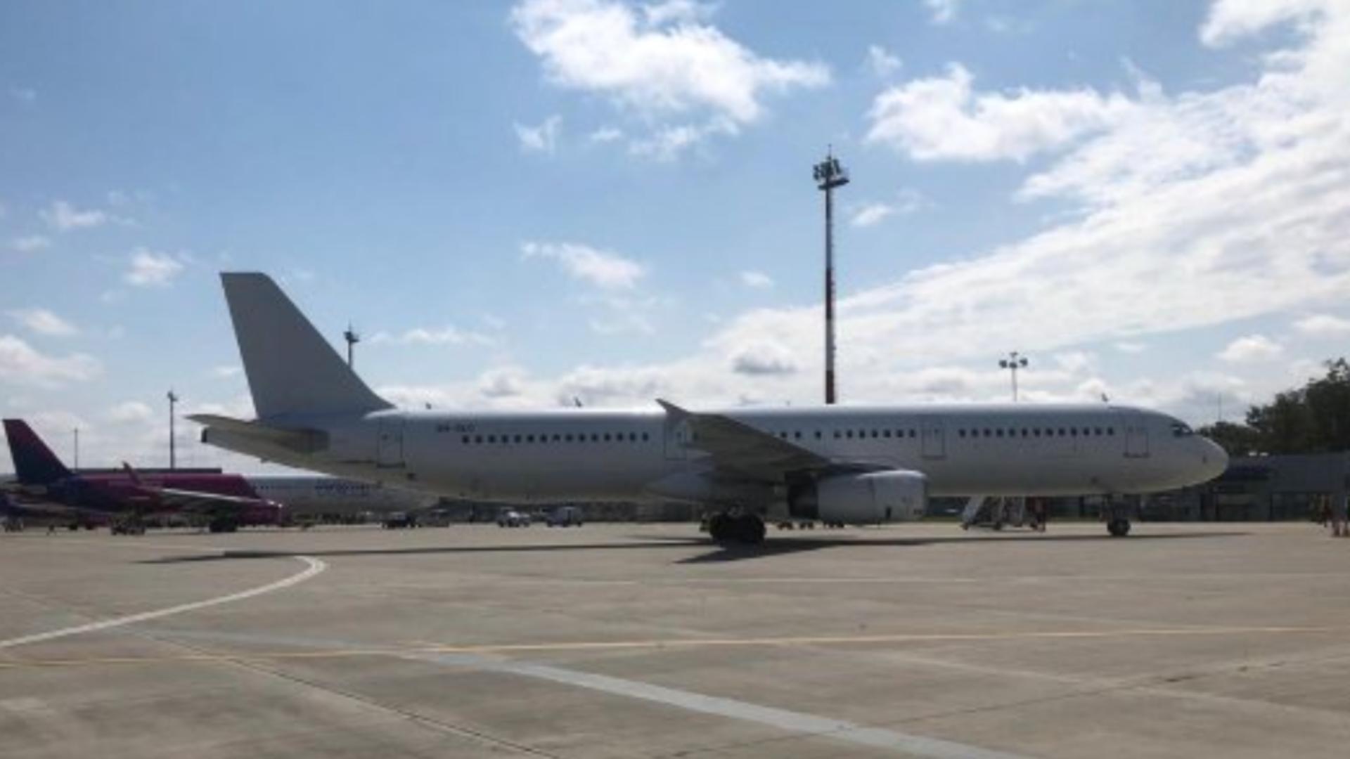 Planul ROȘU, activat, marți seară, pe Aeroportul din Iași! PROBLEME după ce un avion a rămas fără tren de aterizare