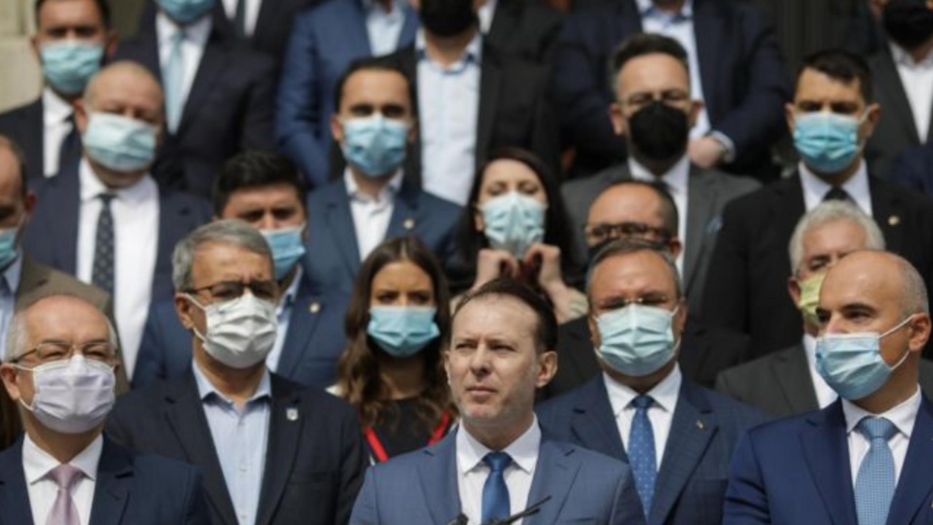 Tabăra Cîțu din PNL reacționează după contestația candidaturii premierului Foto: INQUAM