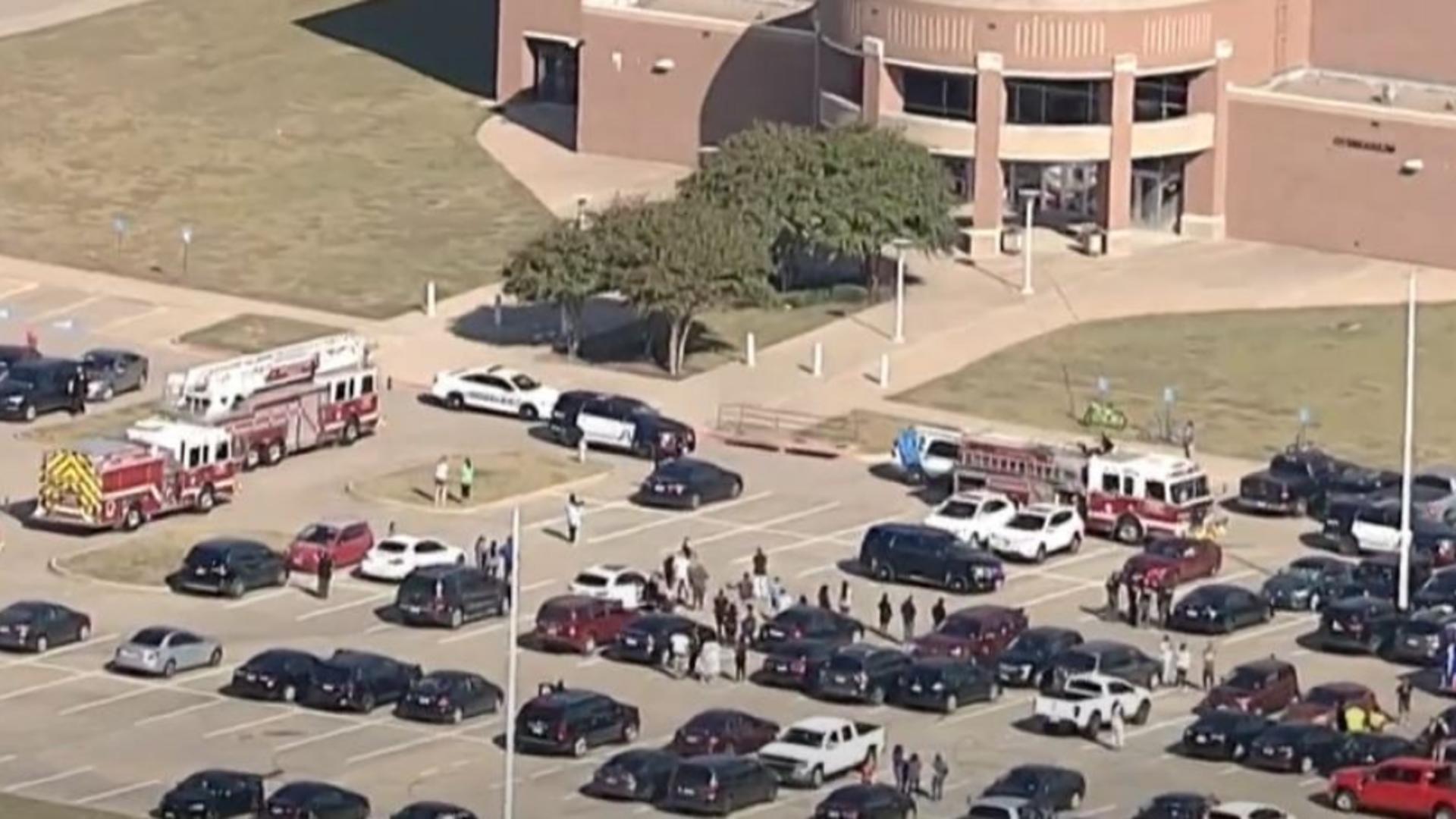 Atac armat într-un liceu din Texas. Foto/Captură video