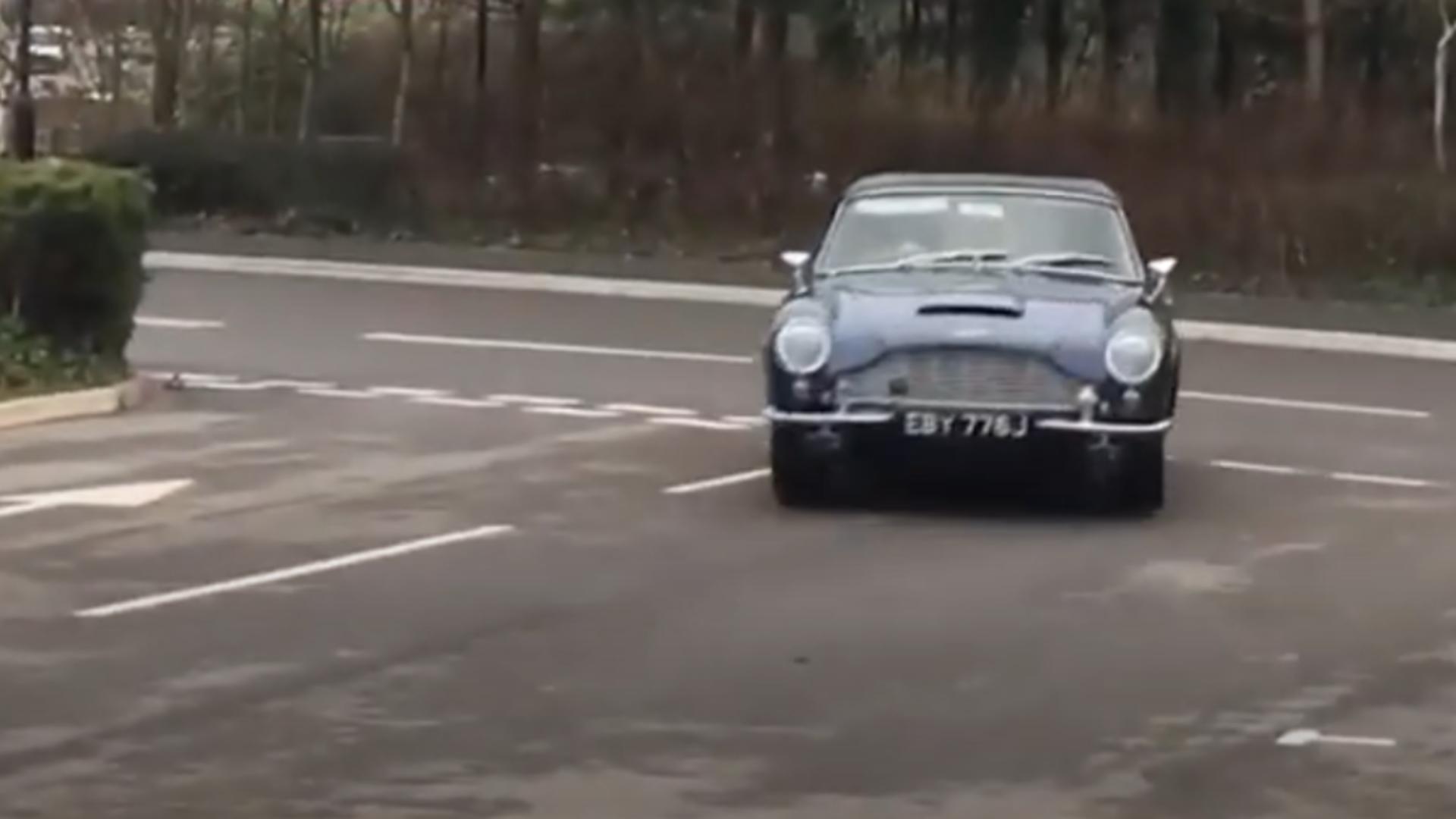 Mașina Prințului Charles. Foto: captură YouTube