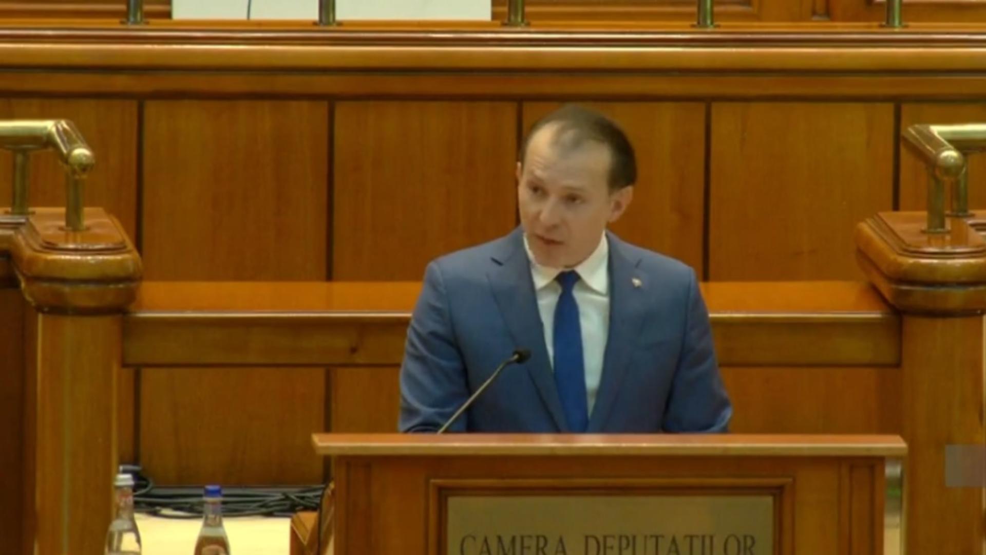 Florin Cîțu în plenul Parlamentului
