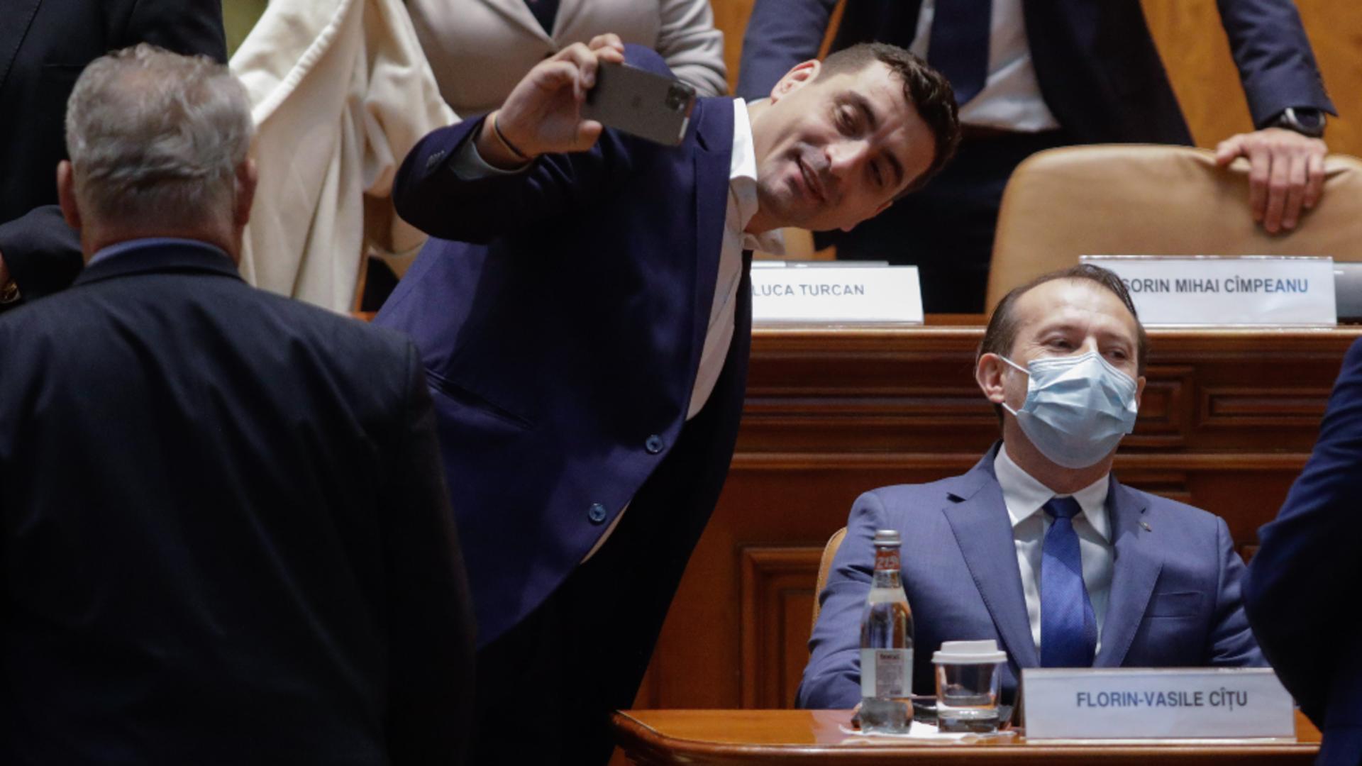 Dezbateri moțiune. Foto: Inquam Photos / George Călin