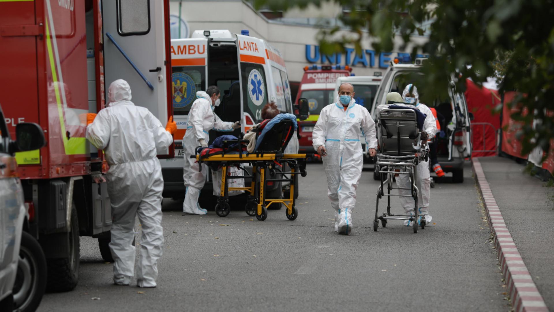 Spitalele, copleșite de pacienții Covid. Foto: Inquam / Octav Ganea