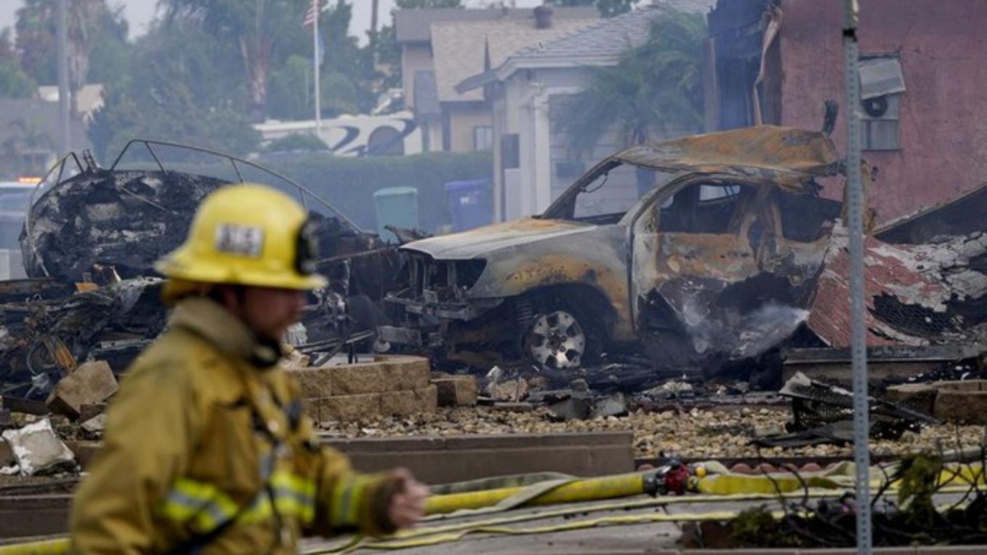 Tragedie în San Diego, California: Mai multe VICTIME - Morți și răniți, case în flăcări după ce un avion s-a prăbușit