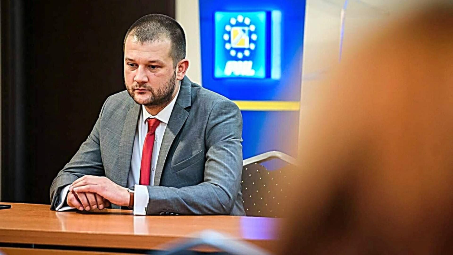 Bogdan Bola denunță criza guvernamentală. Foto/Facebook