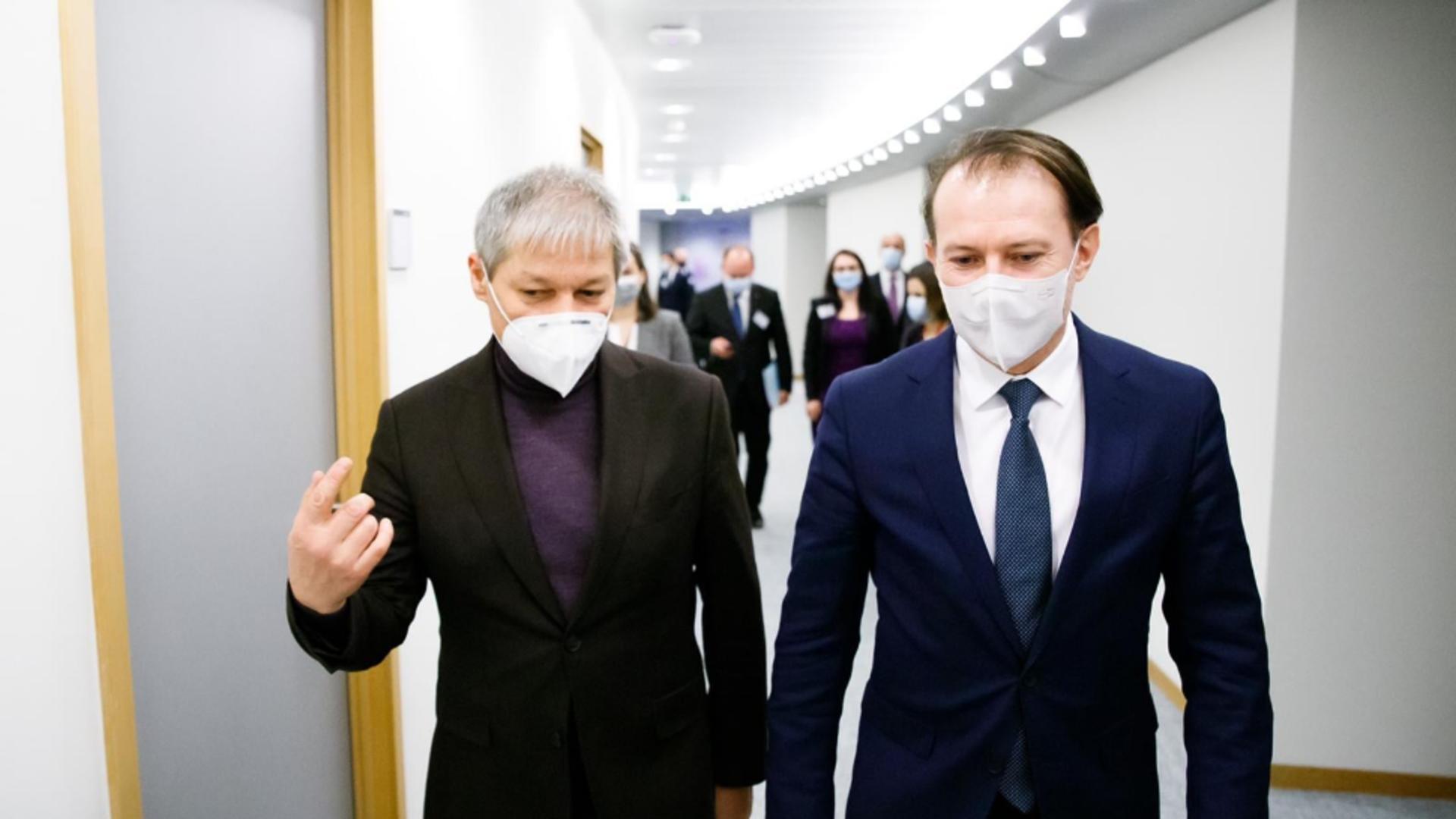 Cioloș nu apleacă urechea la ironiile lui Cîțu. Foto/Inquam
