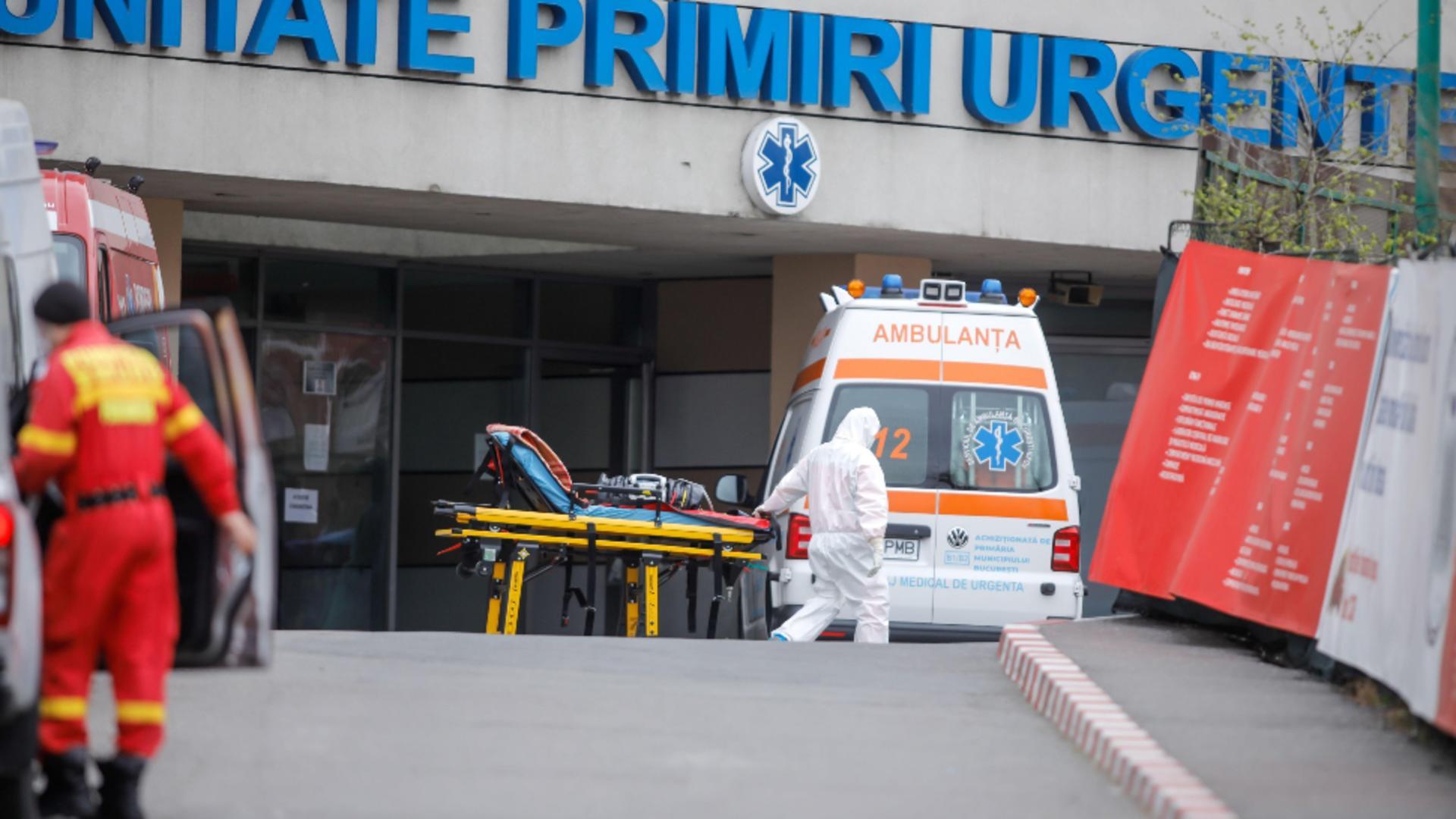 Trei tineri de 18, 24 şi 29 de ani au murit din cauza COVID-19. Niciunul nu era vaccinat şi aveau comorbidități