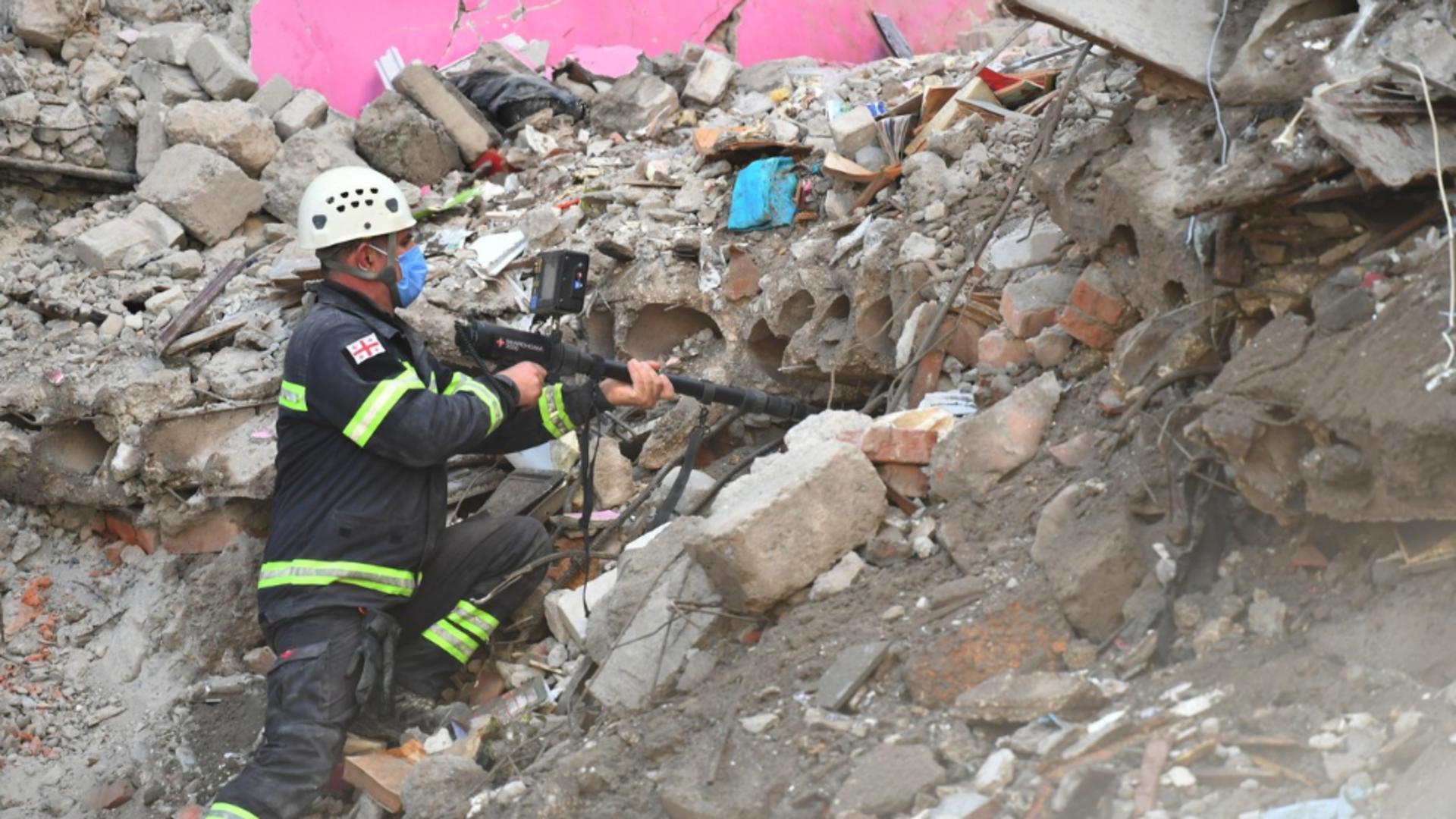 Doliu național în Georgia după prăbușirea unei clădiri la Batumi. Sursa foto: Profi Media
